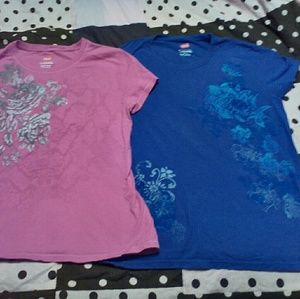 A double pack of size small hanes floral tees